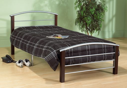 Yeled Platform Bed in Cherry Wood